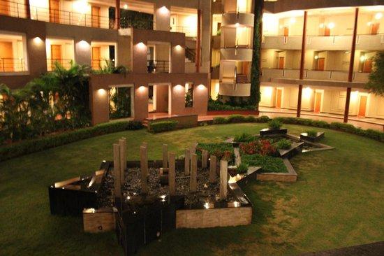 Hotel Malligi: view from corridor