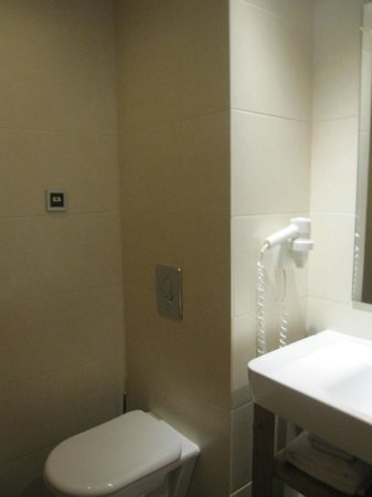 The Athens Gate Hotel : Bathroom 1
