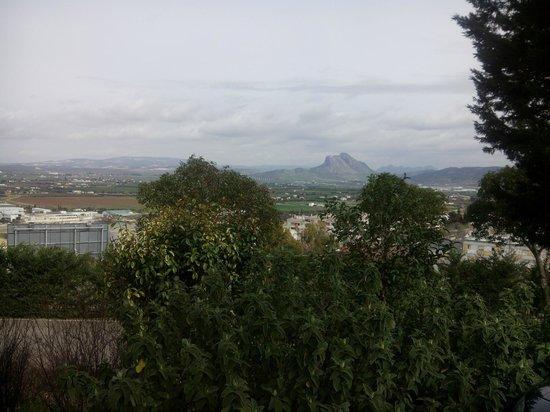 Parador de Antequera: vista de la Peña desde el Parador