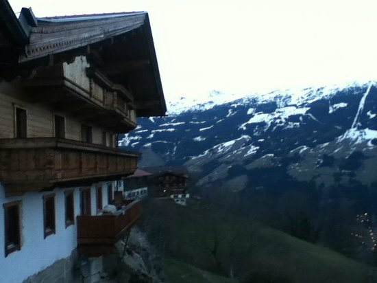 Breierhof: uitzicht vanaf het balkon naar opzij