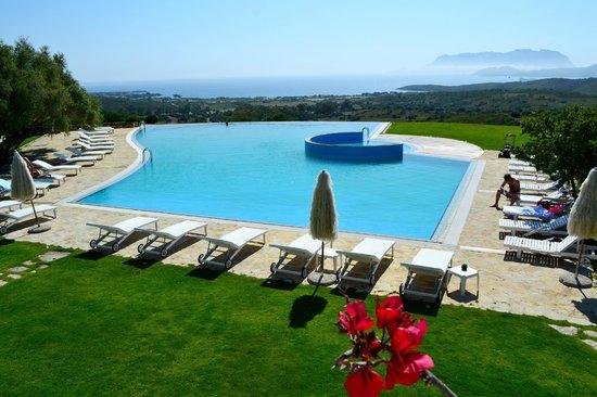 Hotel Luna Lughente : Vistas a la increíble piscina