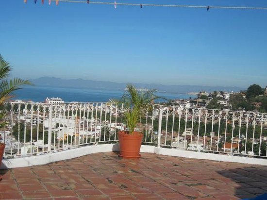 Hotelito Rolando: Beautiful View from roof top patio for Happy Hour