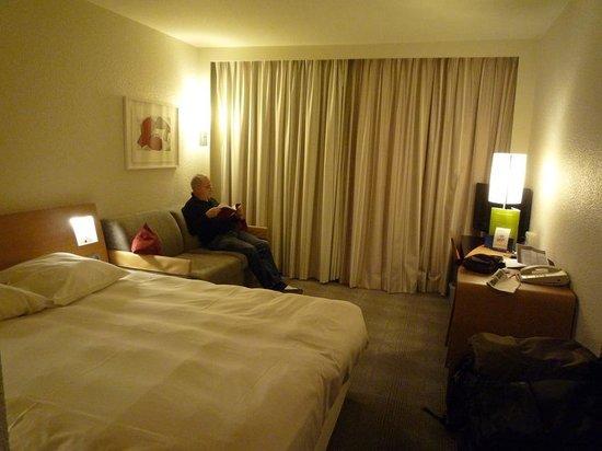 Novotel Gent Centrum: Une chambre douillette et agréable (301)