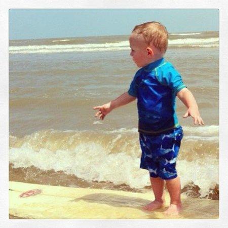 Surfside Beach : Hangin' ten!