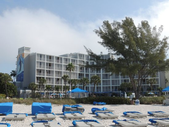 Guy Harvey Outpost, a TradeWinds Beach Resort : view of the hotel taken from the beach