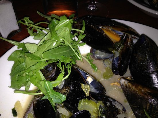 Burgundy Restaurant : Clams