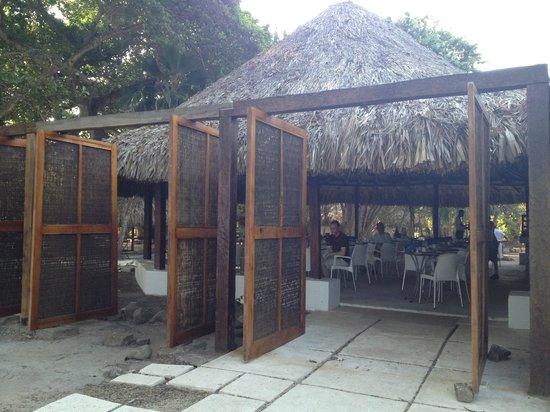 Hotel San Pedro de Majagua: Wind Covers - Dining area
