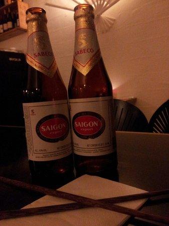 K J Minh: Saigon øl er gode på kj minh, men perfekte i Saigon:-)=