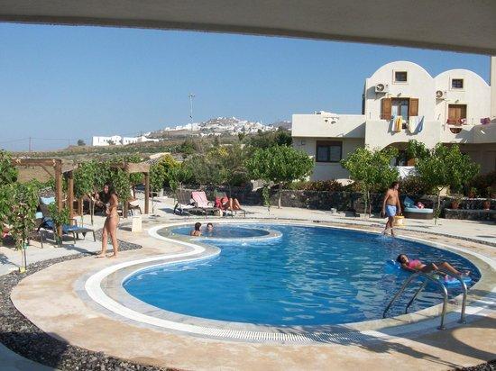 Santorini Mesotopos: Pool Area