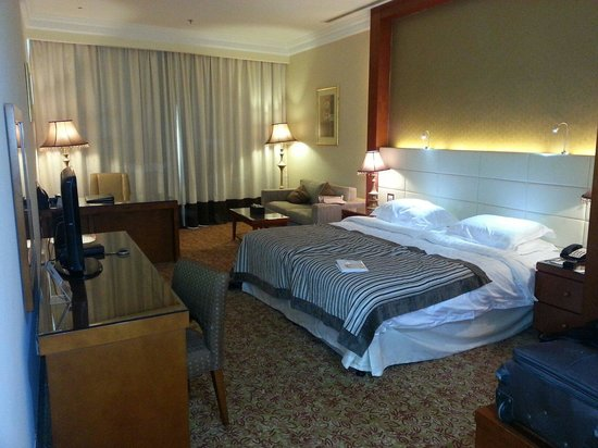Grand Excelsior Hotel Al Barsha: Big & lovely room