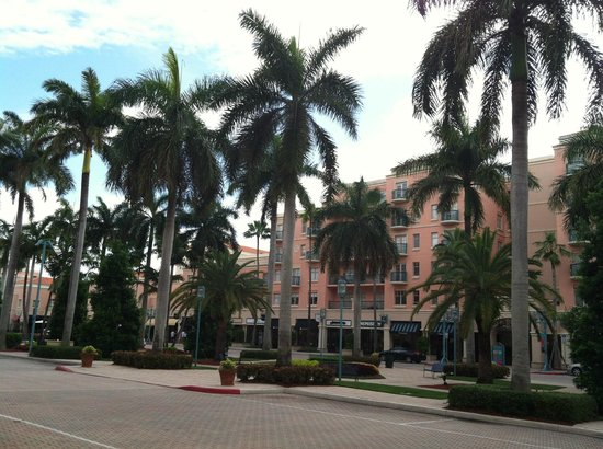 Mizner Park: shopping area at Mizer Park