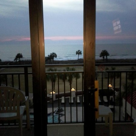 Springmaid Oceanfront Resort Myrtle Beach: View from our room. Morning sunrise where great