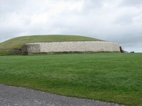 Mary Gibbons Tours: Newgrange