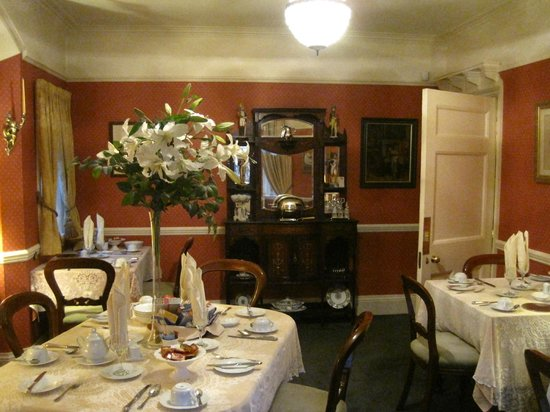 East Lee Guest House: The luxurious breakfast room.