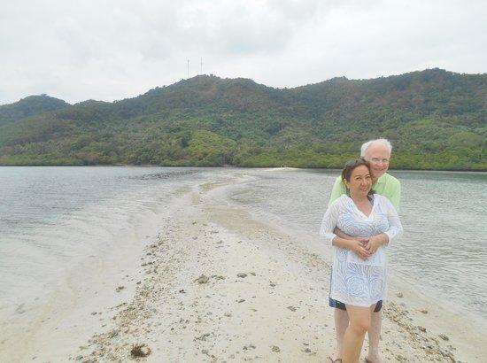 "El Nido Resorts Lagen Island: Amazing ""Snake"" sand bar!"