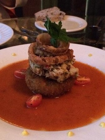 """11 Maple Street: Yummy crab cake - """"small plate"""""""