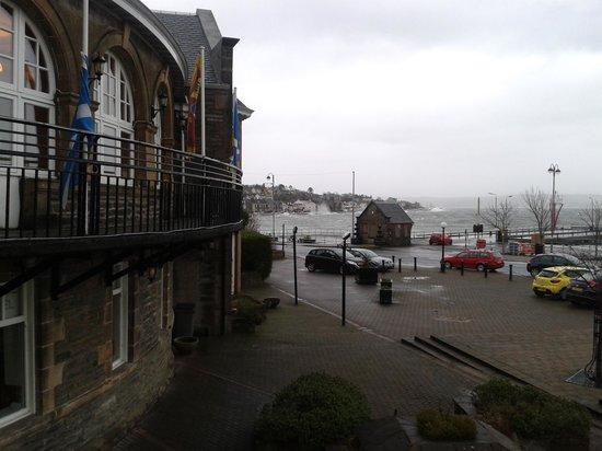 Glenmorag Hotel : january storms