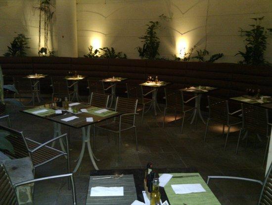 FRANK'S American Bar & Restaurant : vorderer teil im frank's