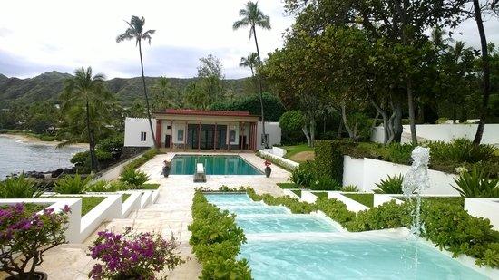 Shangri La: pool house