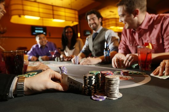 Forest Lake, MN: Texas Hold'em for all player levels.