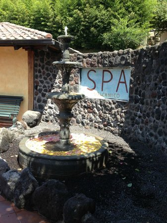 Luna Runtun, Adventure SPA: El Crater Spa