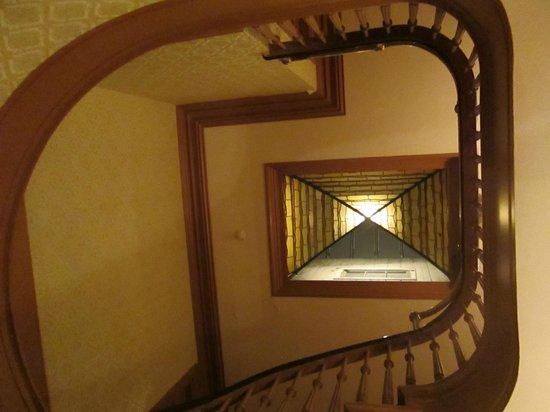 Chateau Fleur de Lys - L'HOTEL : L'escalier en tourniquet