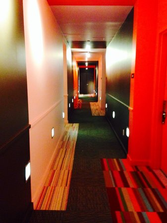 NU Hotel: Flor Carpet Tiles in hallways