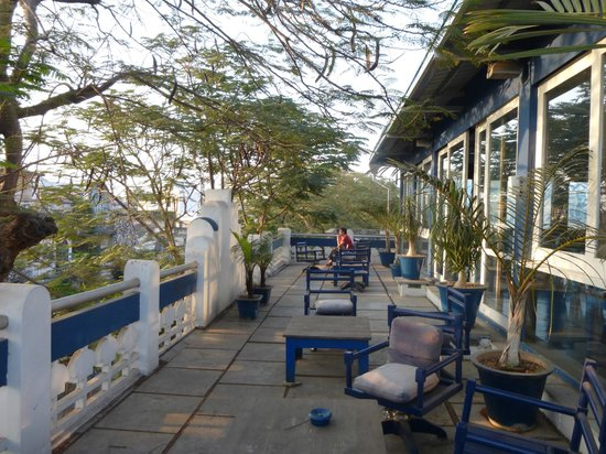 Tanjore Hi Hotel: Terrace