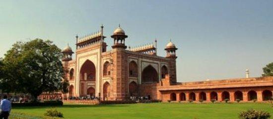 Jaypee Palace Hotel & Convention Centre Agra : Entrance to Taj Mahal