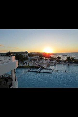 Grand Palladium Jamaica Resort & Spa: Sunset