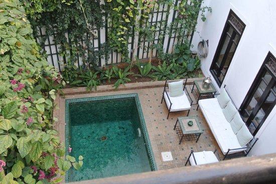 Dar Vedra: Vue de la piscine