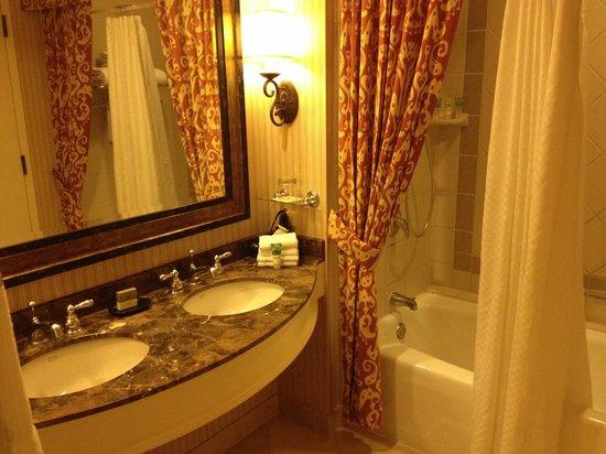 La Cantera Resort & Spa: Bathroom