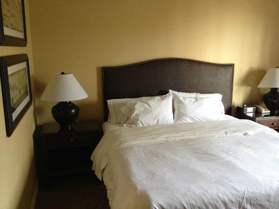 La Cantera Resort & Spa: Comfortable Bed