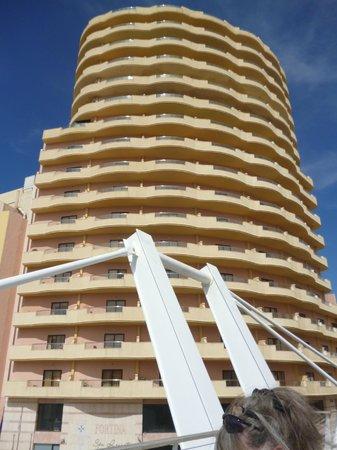 Fortina Spa Resort: hotel from across street