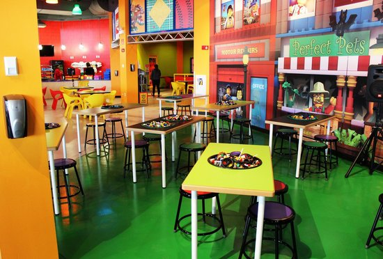 LEGO Workstations for Kids! - Picture of LEGOLAND Discovery Center ...