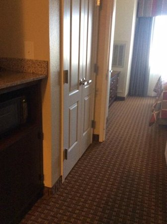 Best Western Plus Easton Inn & Suites : Closet