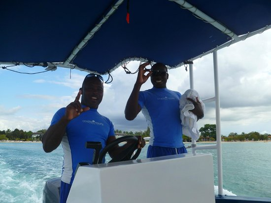 Couples Negril : Included glass bottom boat - watersports team