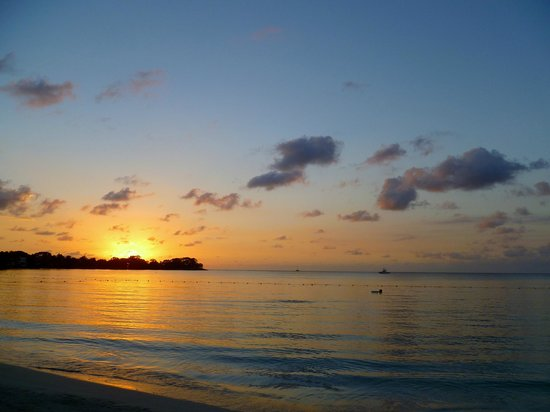 Couples Negril : Glorious sunsets at the beach