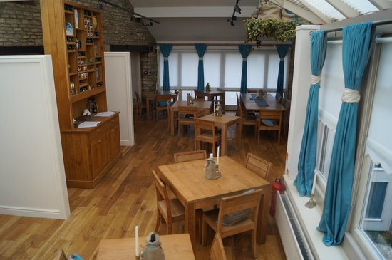 The Clanfield Tavern: Refurbished conservatory