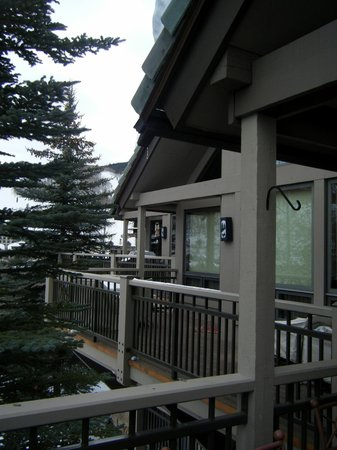 The Pines Lodge, A RockResort: Beaver Creek ski slope from balcony