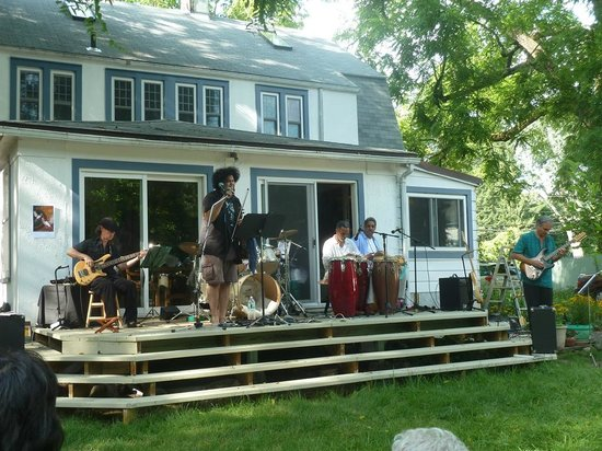 Morning Glory B&B Woodstock : summer concert