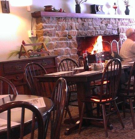 The Casselman Inn and Restaurant: Fireplace