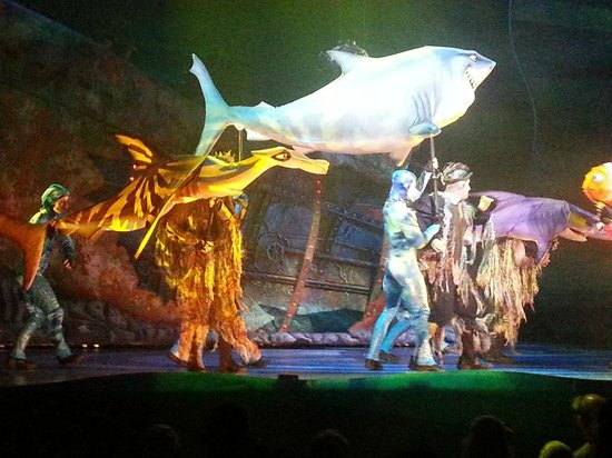 Nemo- The Musical at Disney's Animal Kingdom: Fish are friends... not food!