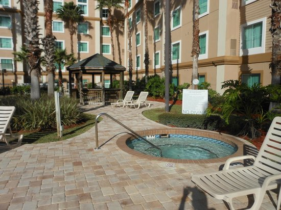Hawthorn Suites Lake Buena Vista : Pool Area