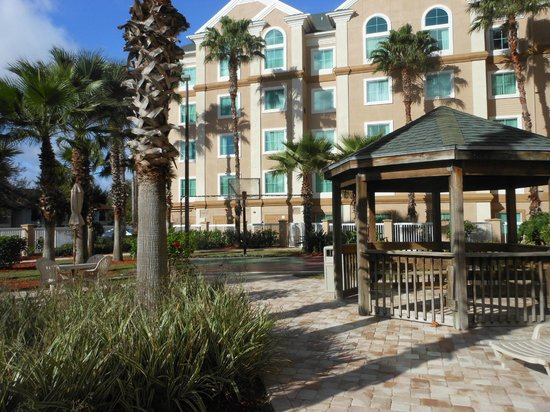 Hawthorn Suites Lake Buena Vista : Hotel Grounds