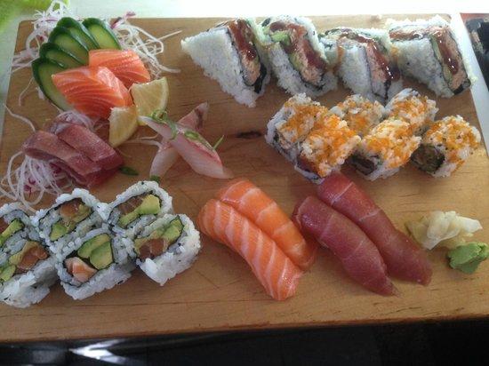 Sushi Bar Bazel: Combo Bazel
