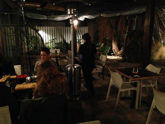 Sushi Bar Bazel: Belle terrasse