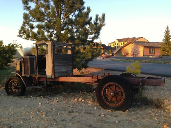Best Western Plus Bryce Canyon Grand Hotel: Décor rouillé ...