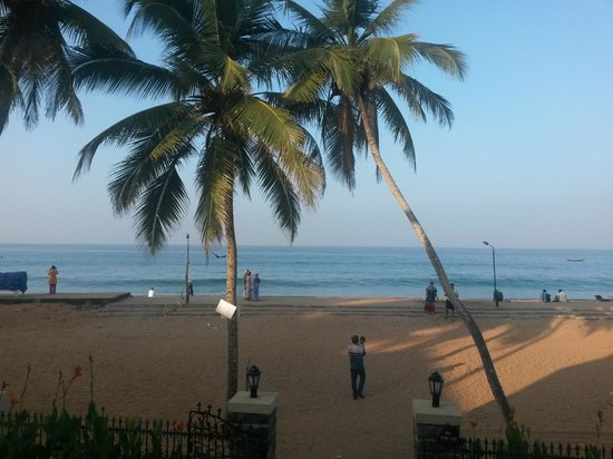 Uday Samudra Leisure Beach Hotel & Spa: early morning view