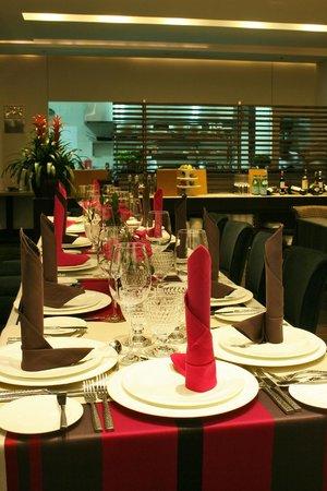 93 Luxury Suites & Residences: RESTAURANT
